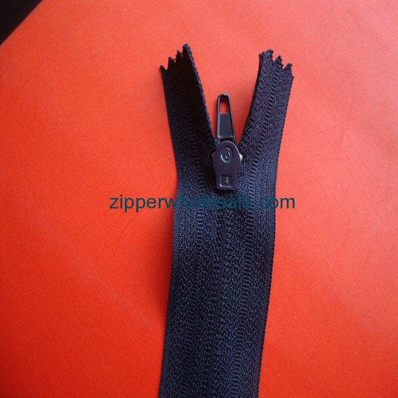 zippers in bulk wholesale