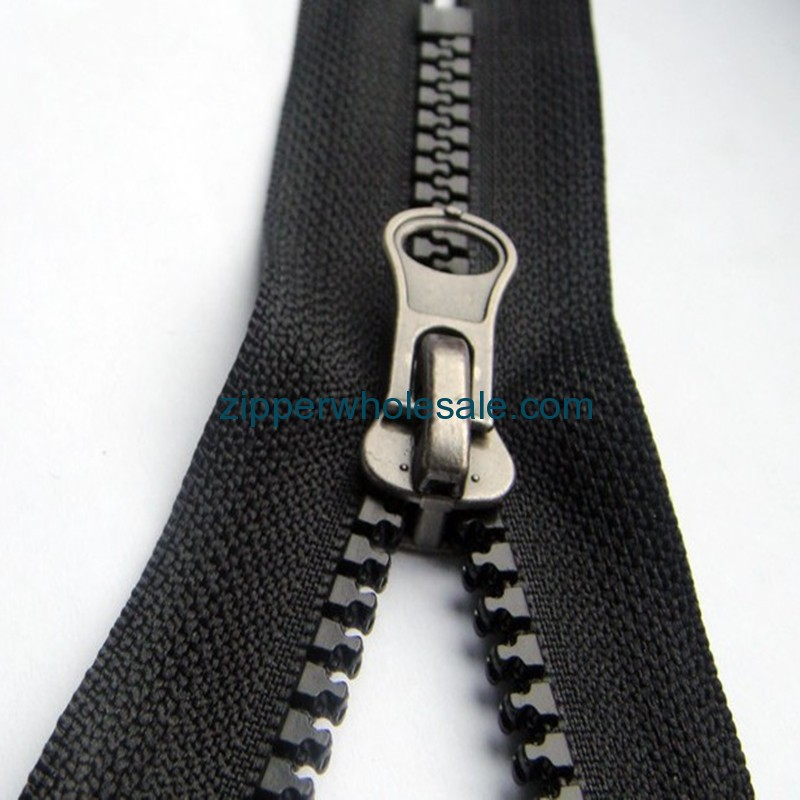 plastic zippers wholesale