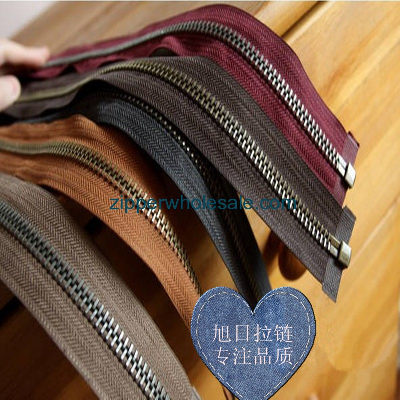 metal zippers manufacturer in china