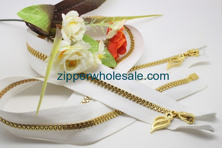 Gold Teeth Plastic Zippers wholesale