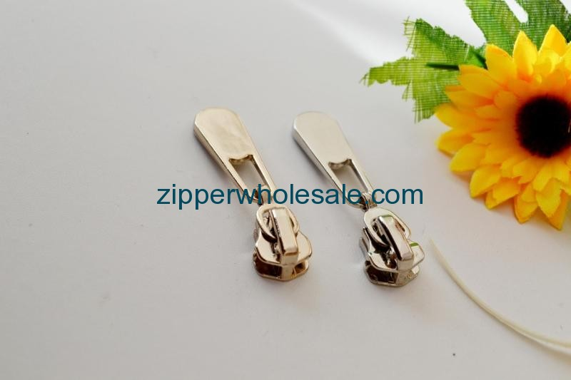 custom zipper sliders wholesale