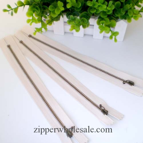 metal zippers in bulk