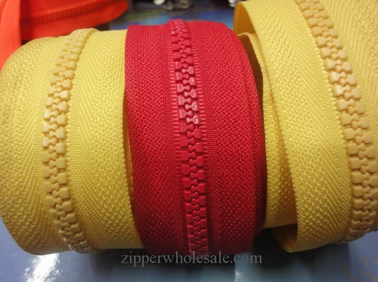plastic zippers by the yards wholesale
