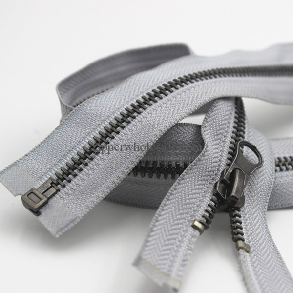 metal zippers for coats and jackets