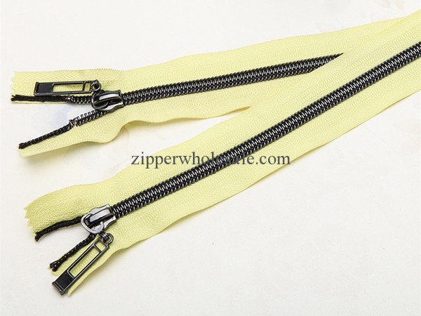 gunmetal teeth nylon zippers wholesale