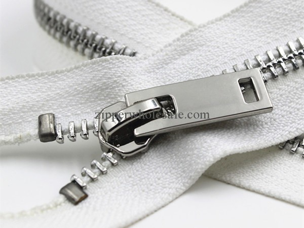 zippers wholesale canada